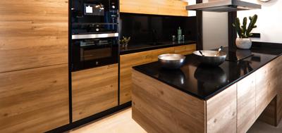 Productos para el embellecimiento y protección de maderas y otros soportes de interior